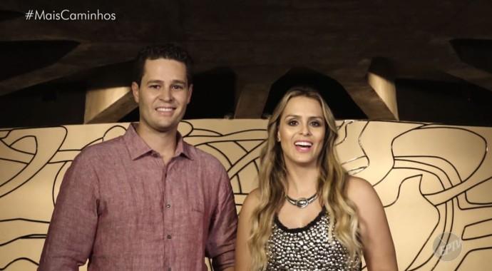 Pedro Leonardo e Aline Lima conhecem o Teatro Estadual de Araras, SP  (Foto: reprodução EPTV )