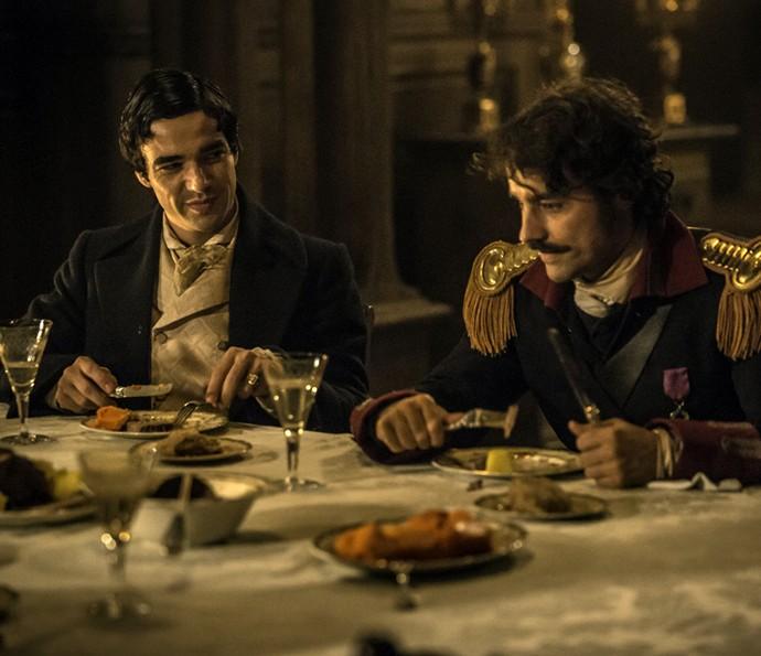 André e Tolentino mostram sintonia em jantar dos Raposo (Foto: Felipe Monteiro/Gshow)