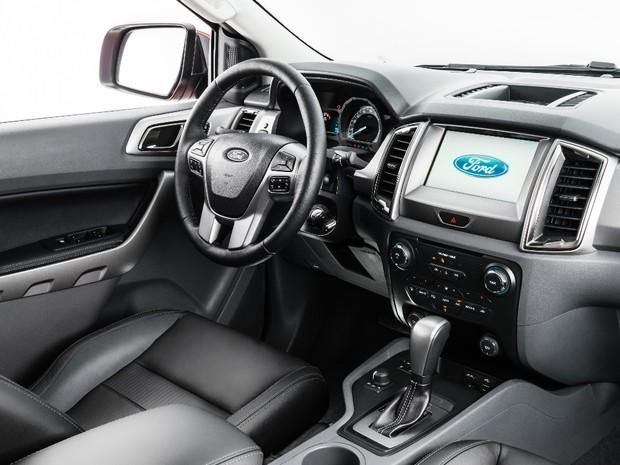 auto esporte ford mostra primeiras imagens do interior da nova ranger. Black Bedroom Furniture Sets. Home Design Ideas