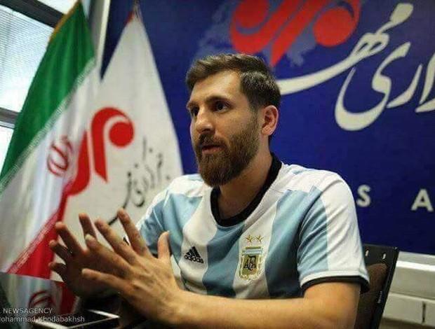 BLOG: Sósia de Messi no Irã veste a camisa do Barcelona e até distribui autógrafos