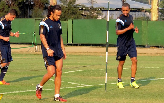 Treino Palmeiras - valdivia (Foto: Marcelo Hazan)