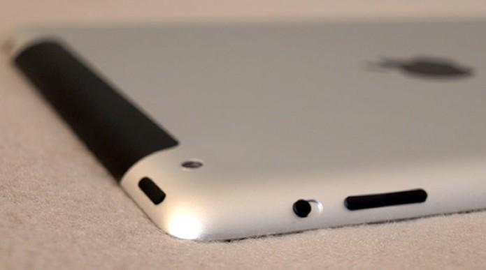 Câmera traseira, botão para travar a tela e controle de volume (Foto: Alessandro Salvatori)
