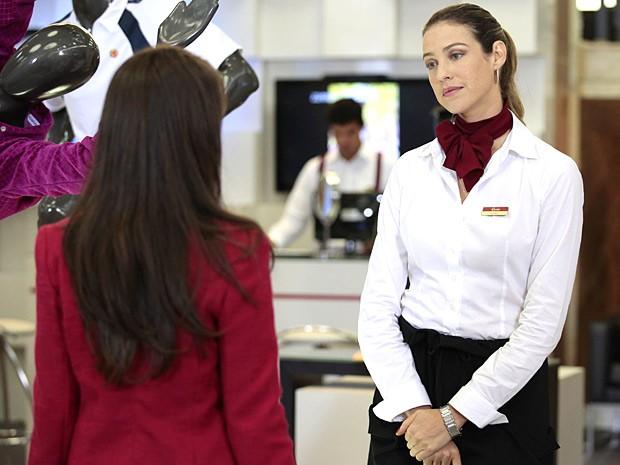 Vânia enfrenta Isadora (Foto: Guerra dos Sexos / TV Globo)