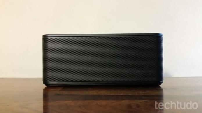 Level Box mini toca músicas com excelente qualidade, por muitas horas  (Foto: Tassia Moretz/TechTudo)
