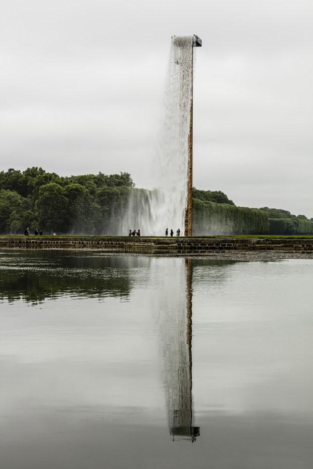 Olafur Eliasson cria cascata gigante no Palácio de Versalhes (Foto: Anders Sune Berg/Divulgação)