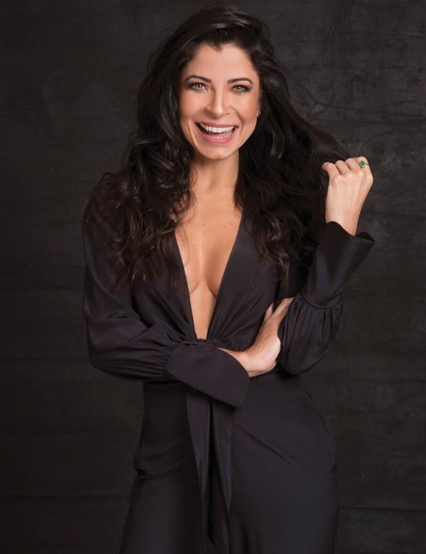 Anna Lima diz que é uma boa amiga como a sua personagem em Sol Nascente, Paula (Foto: Faya)
