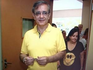 Candidato José Caldini Crespo doDEM votou na manhã deste domingo (2)  (Foto: TV TEM )