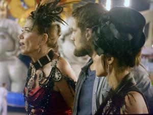 Marta fala com família sobre situação de Cora (Foto: TV Globo)