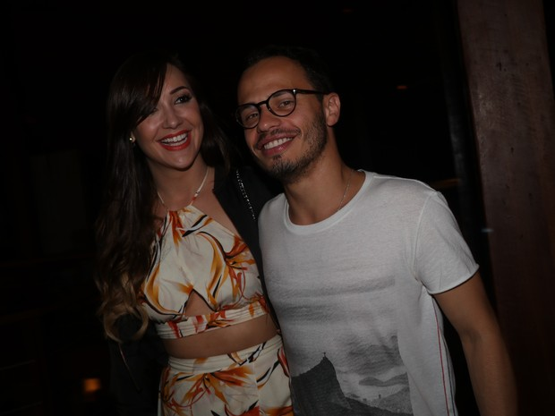 Josie Pessôa com amigo em festa na Zona Sul do Rio (Foto: Fred Pontes/ Divulgação)