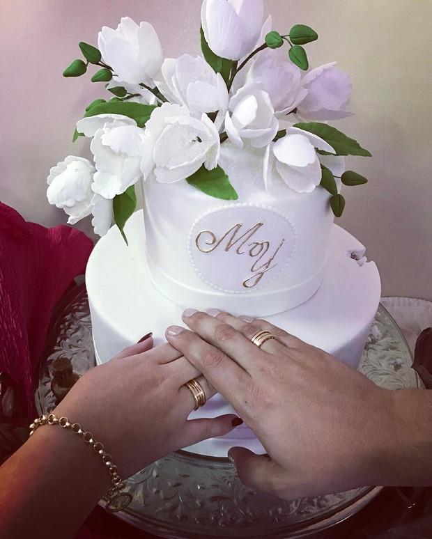 Marília Mendonça fica noiva do empresário Yugnir Ângelo (Foto: Reprodução / Instagram)