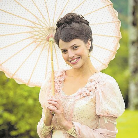 Agatha Moreira como Ema em 'Orgulho e paixão' (Foto: Raquel Cunha/TV Globo)