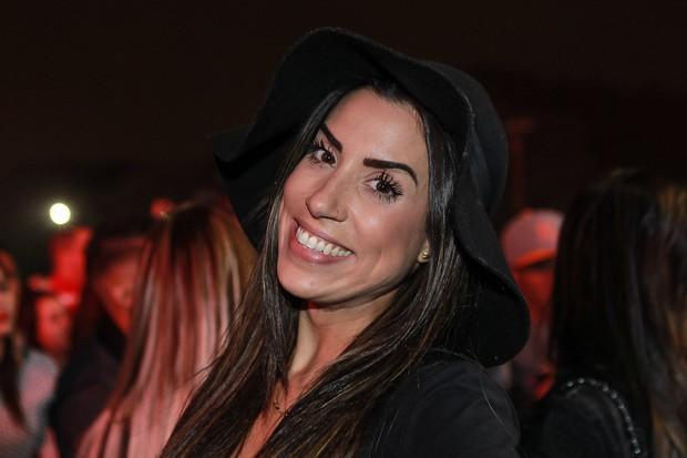 Ex-BBB Juliana Dias no show de Thiaguinho (Foto: Raphael Castello/AgNews)