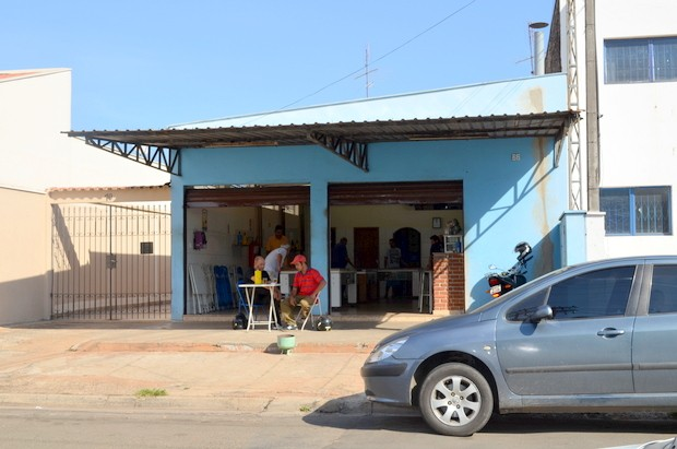 Comerciante e clientes são vítimas de 'arrastão' em bar em Piracicaba (Foto: Fernanda Zanetti/G1)