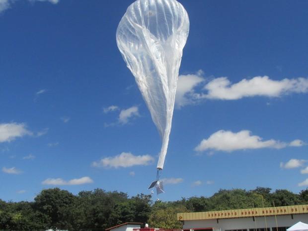 Balões sobrevoam estratosfera durante 100 dias (Foto: Catarina Costa/G1)