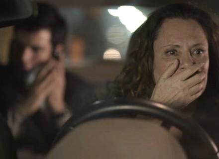 Teaser: Arlete bate com o carro ao saber que Eric é seu passageiro