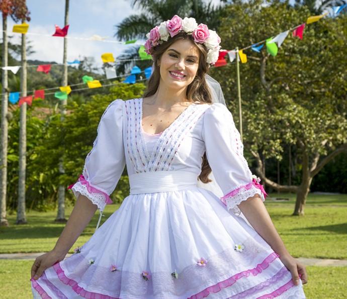 Camila Queiroz participa da Festa Junina do Estrelas (Foto: Fabiano Battaglin/Gshow)
