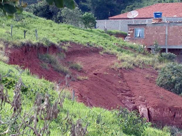 Loteamentos que foram comercializados já tinham donos em Carmo de Minas (Foto: Reprodução EPTV)