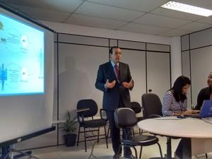 Secretário da saúde do município, José Antônio Rodrigues, falou sobre a vacinação em Salvador (Foto: Maiana Belo/G1 BA)