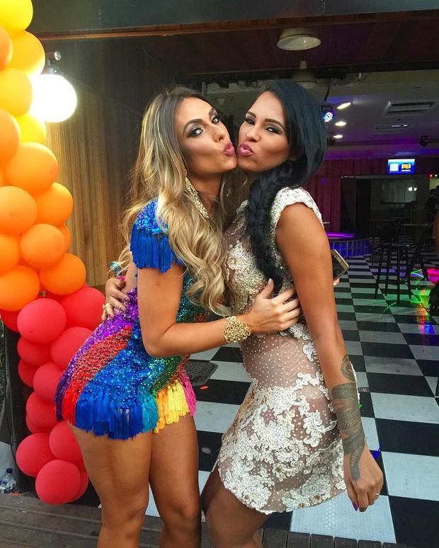 Nicole Bahls e Ariadna (Foto: Reprodução/Instagram)
