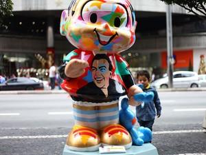 Exemplar da Monica colocado na Avenida Paulista  (Foto: Foto: Renato S. Cerqueira/ Futura Press/ Estadão Conteúdo)