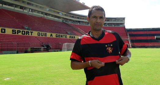 Depois de crise convulsiva, ex-jogador do Picos e ídolo do Sport está internado em estado grave  (Lucas Liausu)