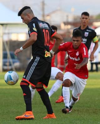 Léo Coca, meia do Botafogo-SP (Foto: Rogério Moroti/Ag. Botafogo)