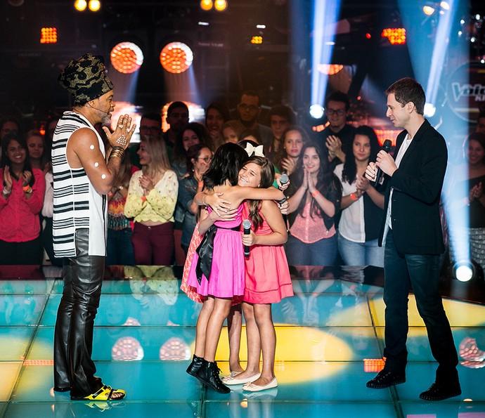 Iris Pereira passa para a próxima fase do The Voice Kids e ganha o carinho de Laís Amaro e Maria Fernanda da Costa  (Foto: Isabella Pinheiro/Gshow)