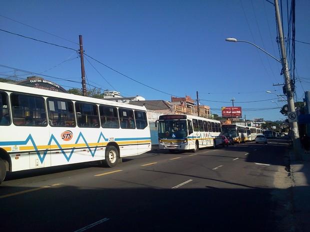 Operação Tartaruga ônibus Porto Alegre (Foto: Vanessa Felippe/RBS TV)