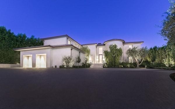 A mansão vendida por Kanye West e Kim Kardashian, em Los Angeles (Foto: divulgação)