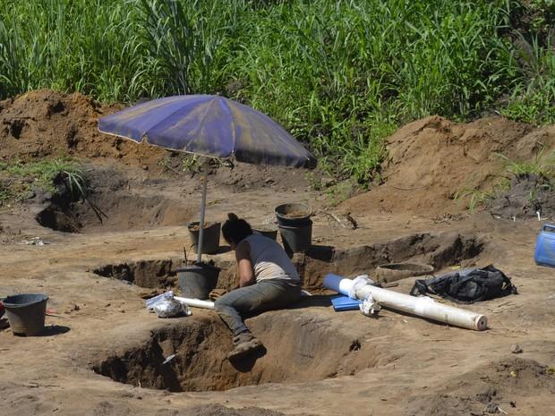 Poço funerário foi usado para sepultamento de indígenas no Amapá (Foto: John Pacheco/G1)