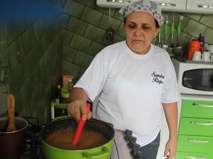 Sandra se prepara para lançar livro de receitas  (Foto: Fernando Brito/G1)