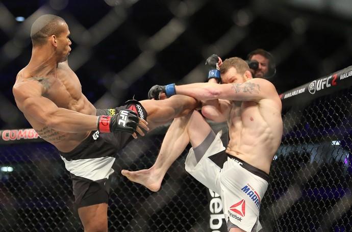 Marreta x Nate - UFC 198 (Foto: Giuliano Gomes/PR PRESS)