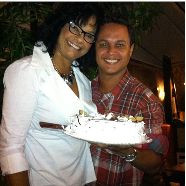 Solange Couto com o marido, Jamerson Andrade, no aniversário dela no ...