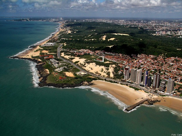 Vista a&#233;rea da Praia de Areia Preta, em Natal (Foto: Canind&#233; Soares/Cedida)