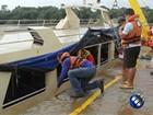 Corpos encontrados dentro de lancha são levados para o IML, no Pará