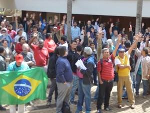 Servidores durante assembleia em campus da Unicamp, em Campinas (Foto: Leon Cunha / STU)