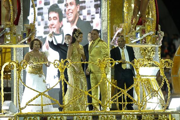 Ronaldo e família (Foto: Marcos Ribas e Amauri Nehn/Photo Rio News   )
