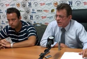Nelson Lacerda, presidente do Comercial, ao lado de David Isaac, presidente do Conselho, e Rogério Vieira, vice-presidente (Foto: João Fagiolo / Globoesporte.com)
