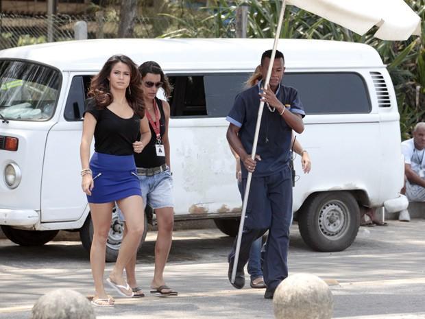 Nanda chega para gravar mais uma cena de Morena (Foto: Salve Jorge/TV Globo)