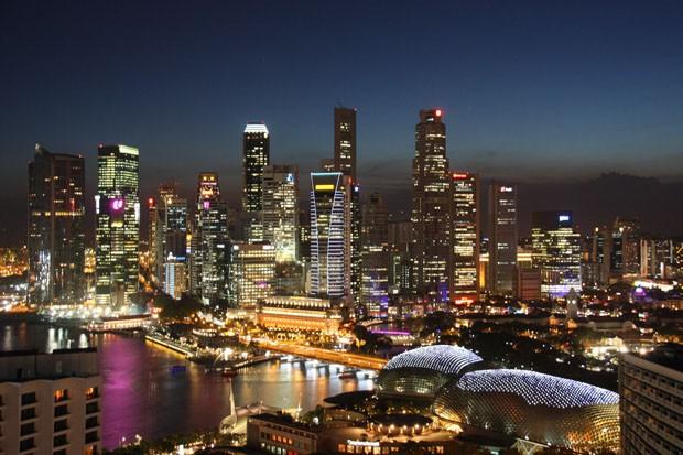 (Foto: Wikimedia Commons / JeCCo / http://commons.wikimedia.org/wiki/File:Singapore_Skyline.jpg )
