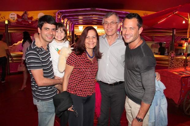 Malvino Salvador e família (Foto: Cleomir Tavares/Mural da Fama)