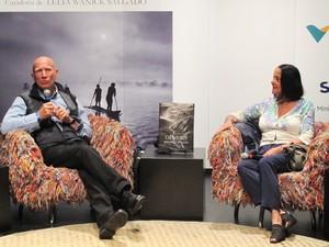 Sebastião ao lado de sua mulher, Lélia Wanick Salgado, que é também curadora de 'Genesis' e de outros projetos do fotógrafo (Foto: Fábio Tito/G1)