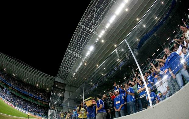 torcida cruzeiro estádio independência (Foto: Washington Alves / Vipcomm)