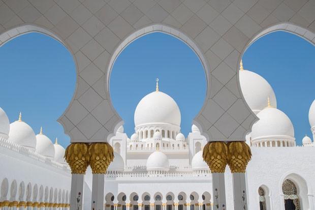 Foto tirada em mesquita de Abu Dhabi (Foto: Paulo del Valle/Divulgação)