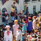 Desfile de gigantes celebra os 40 anos do Menino da Tarde (Katherine Coutinho / G1)