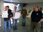 Servidores da ALE-AM fazem ato contra parcelamento de benefício