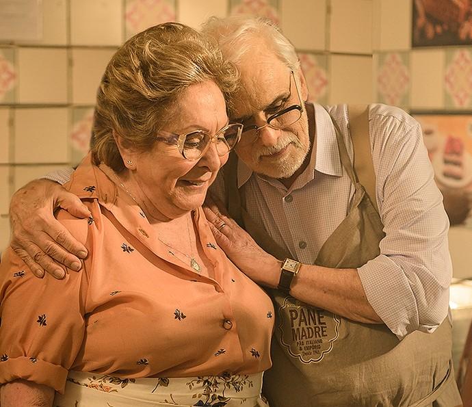 Gaetano e Geppina são um casal apaixonado, interpretado por Francisco Cuoco e Aracy Balabanian (Foto: TV Globo / Ramón Vasconcelos)