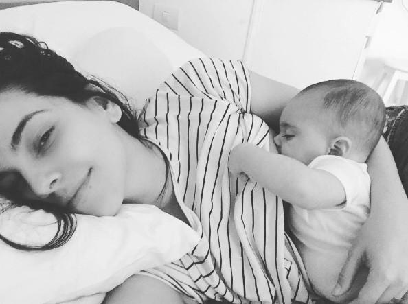 Taina Muller em momento mãe (Foto: instagram)