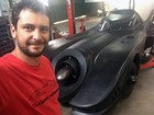 Mineiro cria réplicas em tamanho natural do Batmóvel para coleção