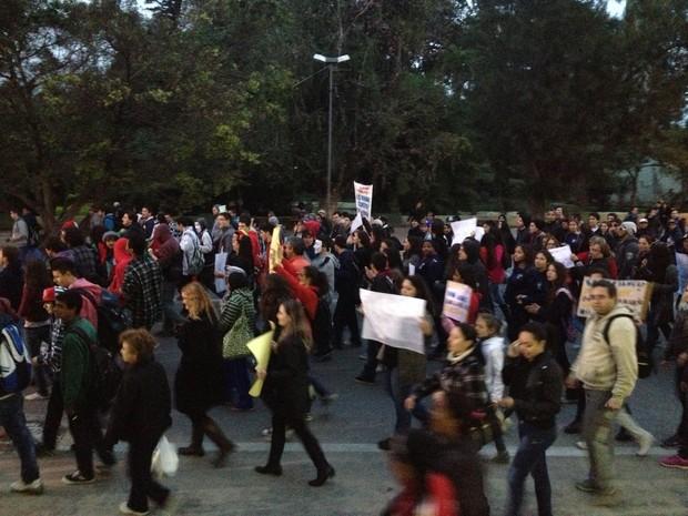 Em Rio Grande, 300 pessoas participaram de ação nesta segunda (Foto: Nathalia King/ RBS TV)